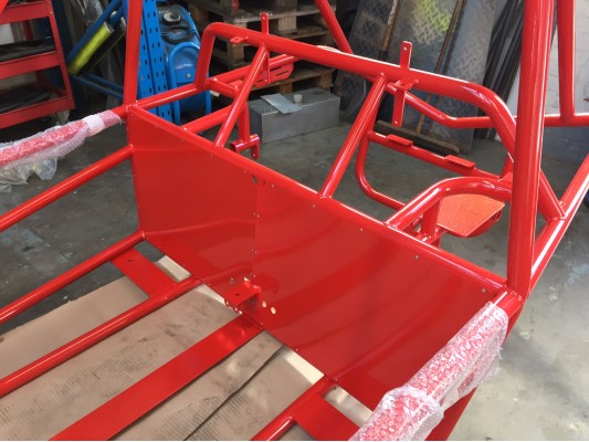 KIT 01a - Chassis & Painted